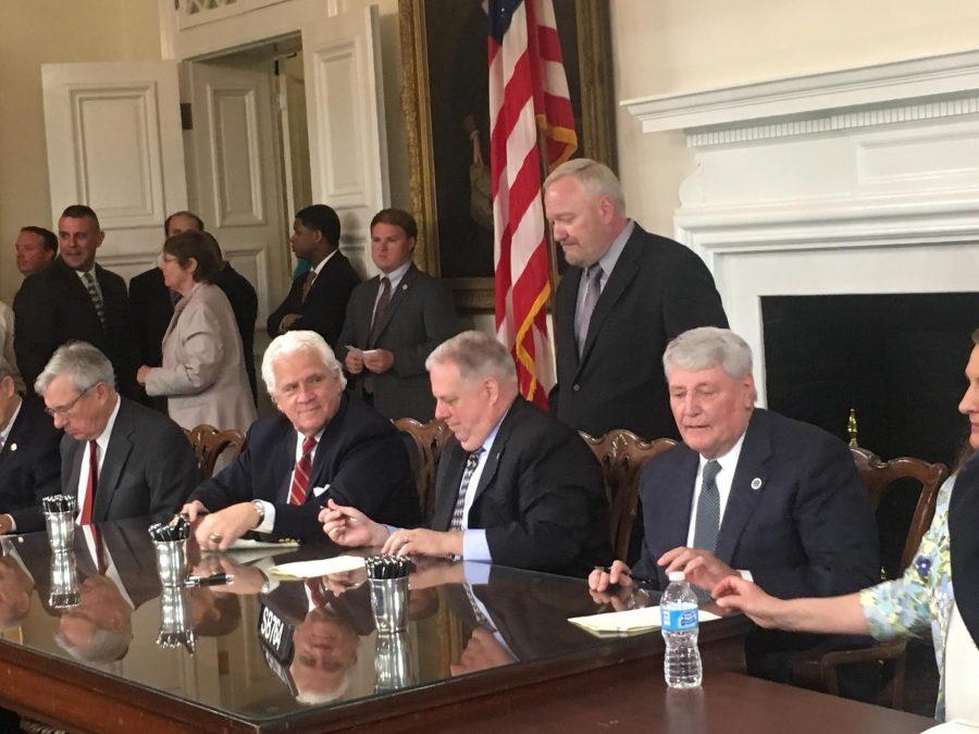 Governor Hogan signs journalism bill