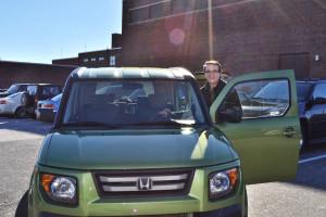 Christian Parsons zips in kiwi green Honda Element