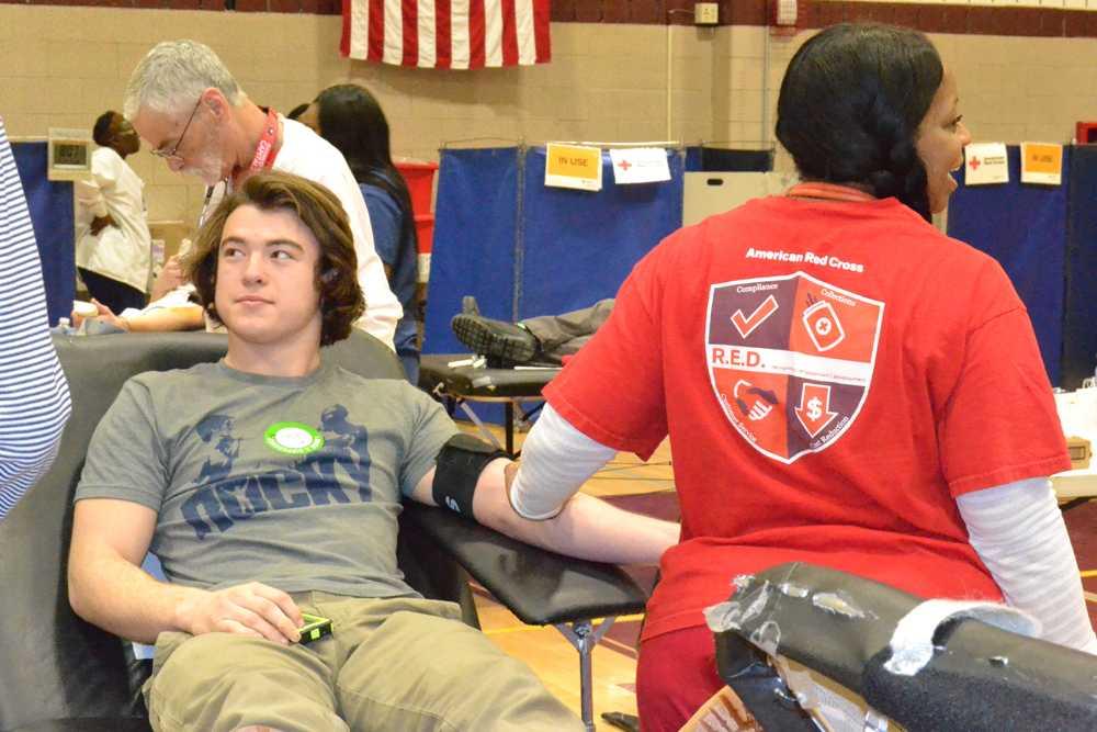 Community+participates+in+blood+drive
