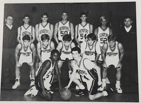 Boys' basketball hosts 25 and 50 year anniversary game